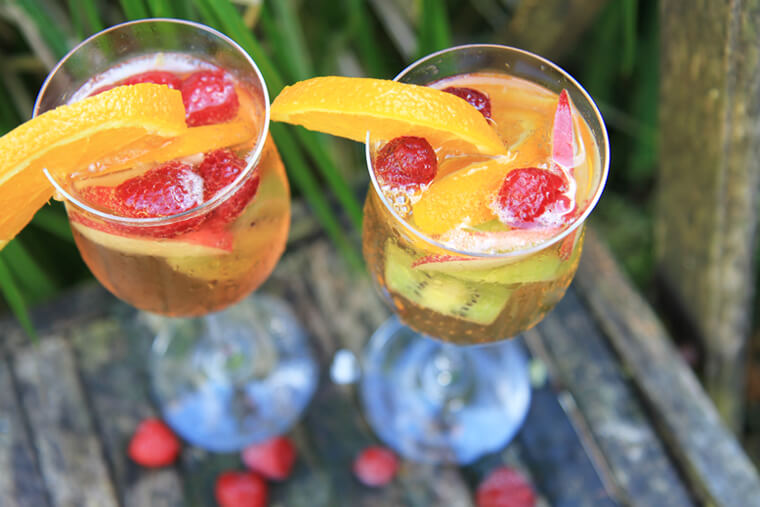 white-sangria-sparkler-cocktail