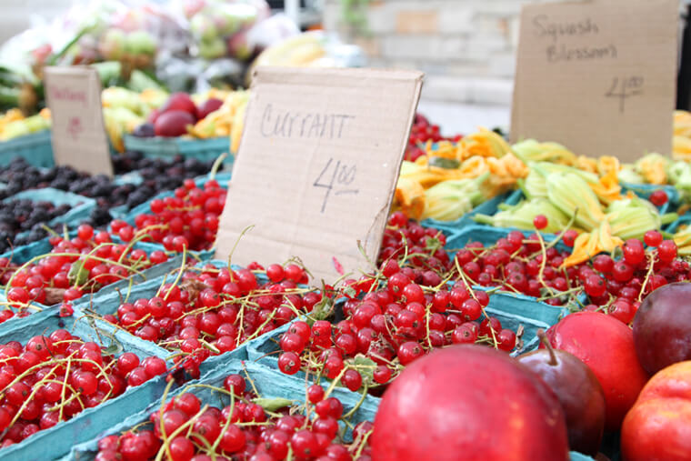 farmers-market-currant