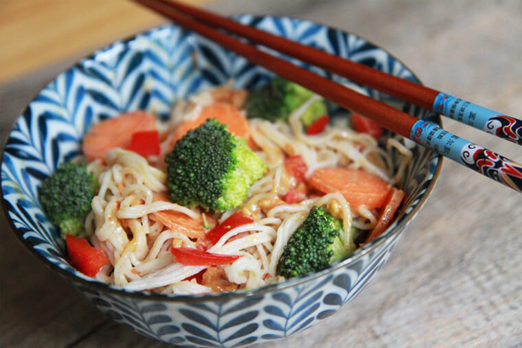 rice-noodles-with-peanut-sauce-and-mixed-vegetables